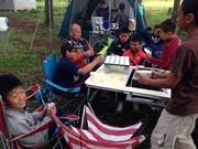 キャンプでトランプ