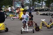 霊泉寺湖面白自転車コーナー
